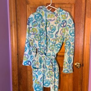 Peace sign bathrobe